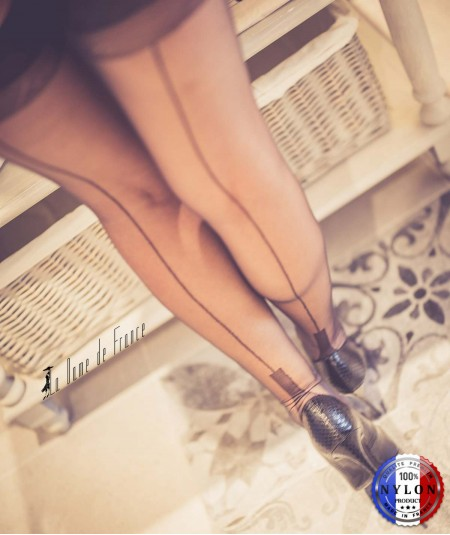 Bas couture fabriqué en France 100% nylon, un bas pour porte jarretelle talon cubain La Dame de France