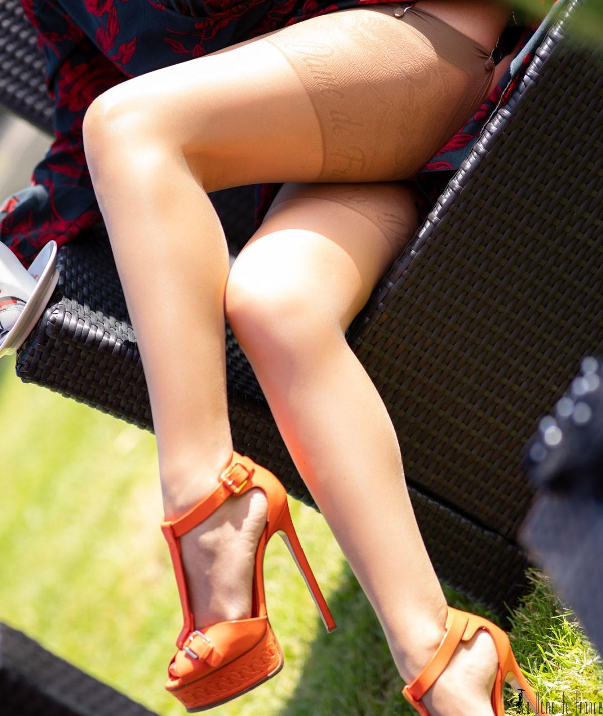 bas très fin couleur chair spécial pour l'été et grande taille chez la dame de France