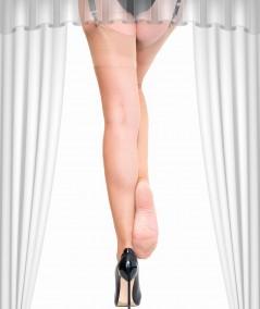 achetez un bas bas nylon Délice nude transparent aux pieds