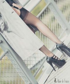 Découvrez le bas couture désir noir 100% nylon transparent